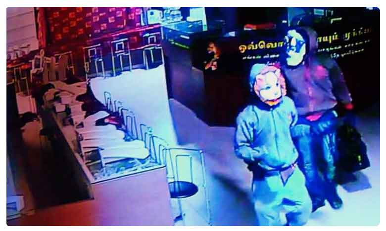 Lalitha Jewellery robbery case: Jewels Recovered, గుండు బాస్కు లోకల్ బొక్క… చోరీ చేసింది వీరే..!!!