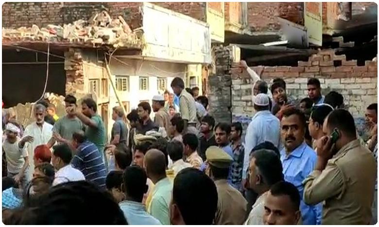Uttar Pradesh: At least 12 killed as cylinder blast leads to building collapse, దారుణం: పేలిన గ్యాస్ సిలిండర్.. 12 మంది మృతి..!