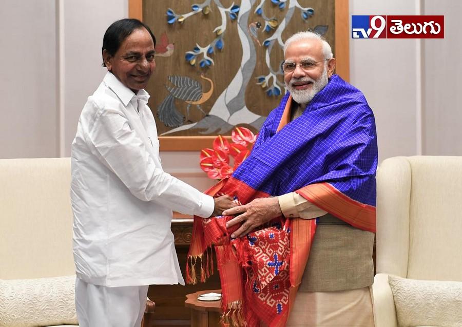 Telangana CM KCR Met PM Narendra Modi Photos, కేసీఆర్, మోదీ మధ్య గ్యాప్ తగ్గింది..మైత్రి కుదిరింది