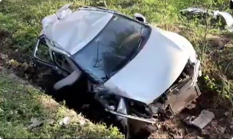 Hoshangabad Road Accident: Four hockey players killed.. one critical as car rams into tree, ట్రోఫీ ఆడేందుకు వెళ్తూ.. అనంతలోకాలకు హాకీ క్రీడాకారులు..