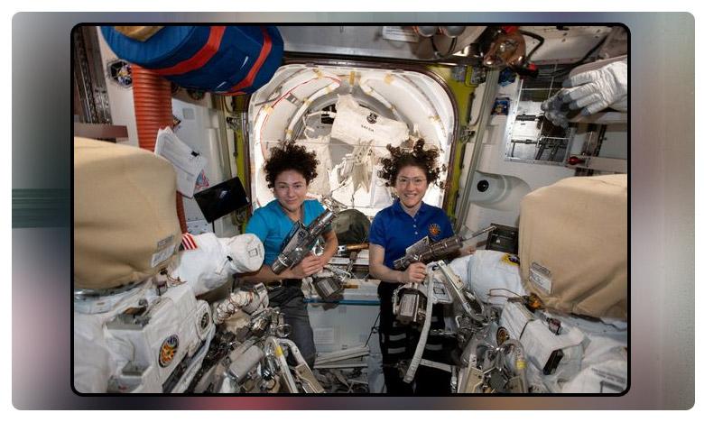 woman astronaut in space station corrects trump during live call, నోరు జారిన ట్రంప్..చేశాడండీ బిగ్ మిస్టేక్ !