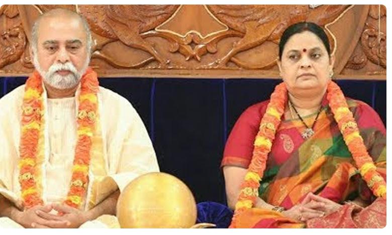 who is Kalki Bhagwan a self styled godman, కల్కి భగవాన్ విష్ణుమూర్తి అవతారమా?  ఆశ్రమంలో ఐటీ దాడులేంటీ?