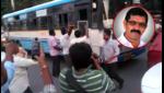 RTC Strike Continues in Telangana, దసరాకు ఊరెళ్లిన వారికి కొత్త టెన్షన్.. కేసీఆర్ డెసిషన్తో షాక్