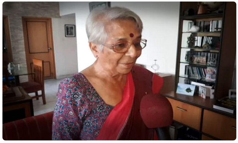 nobel economic prize winner mother nirmala banerjee, ' మా వాడికి నోబెల్ వచ్చిందా ? నాకు చెప్పనే లేదే ? '.. అభిజిత్ తల్లి