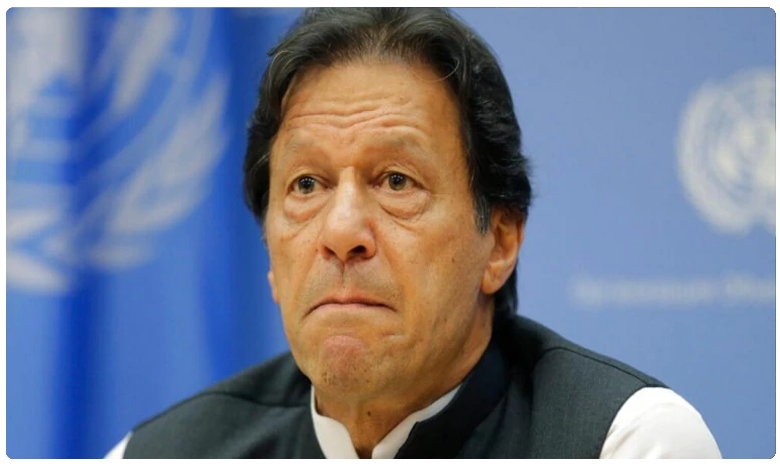 Imran Khan govt breaks record in borrowing money, అప్పుల్లో రికార్డు బద్దలు కొట్టిన పాకిస్తాన్..?