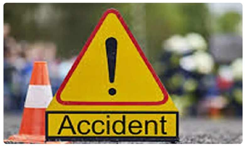 One die and three injured as car hits tipper in Krishna district, కృష్ణా జిల్లాలో రోడ్డు ప్రమాదం.. ఒకరి మృతి.. ముగ్గురికి తీవ్ర గాయాలు