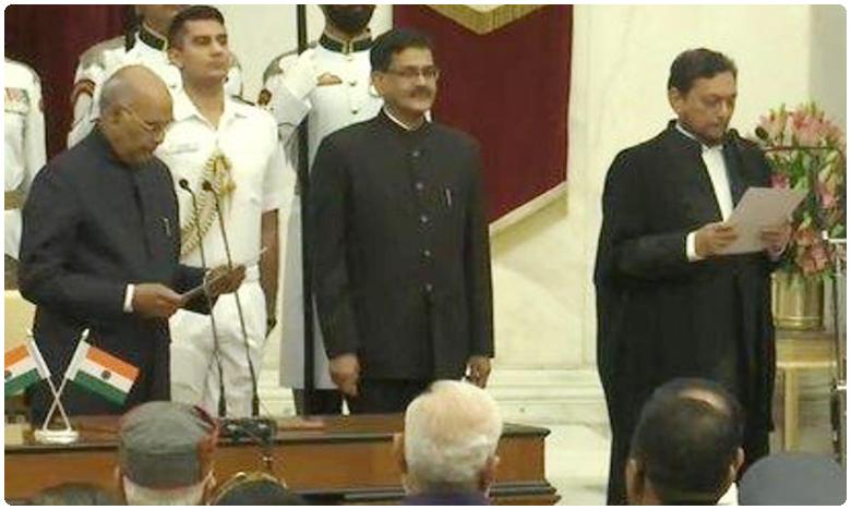 Justice Sharad Arvind Bobde takes oath as Chief Justice of India, వేధింపుల కేసులో జస్టిస్ గొగోయ్కి క్లీన్ చిట్.. 'రుణం' తీర్చుకున్న బాబ్డే