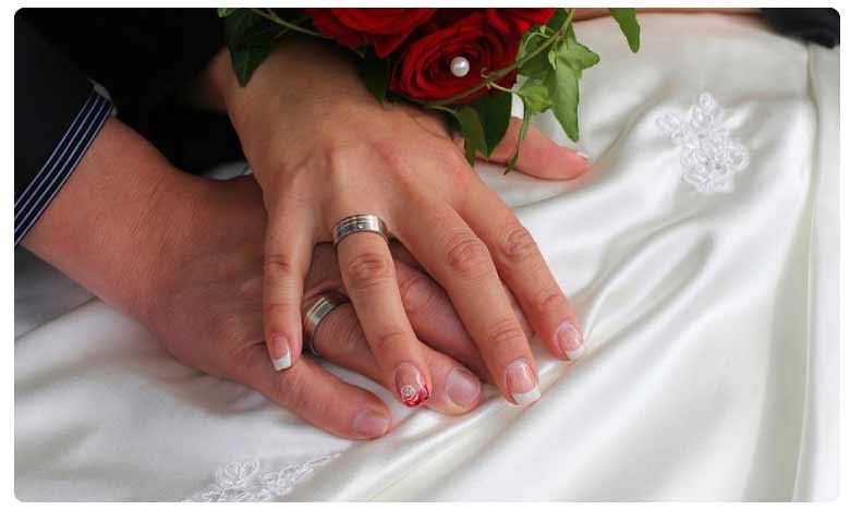 Newly married don't get personal space in Andhra Pradesh, గుట్టుగా దాంపత్యం..ఆంధ్రప్రదేశ్లో దుర్భరం
