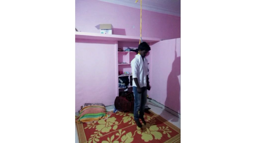 Homesick youngster commits suicide, అమ్మకు దూరమై..అనంత లోకాలకు