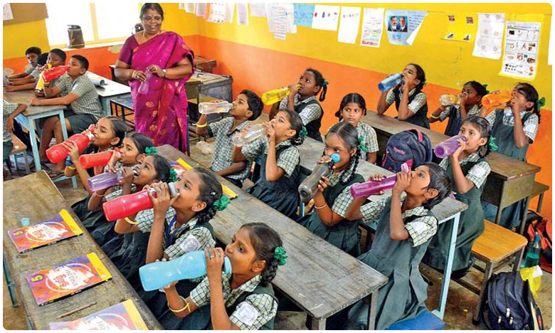 Water bell rule to be implemented in schools for the benefit of students health, స్కూళ్లలో ఇక 'వాటర్ బెల్' పిల్లలకు స్పెషల్ రూల్..!