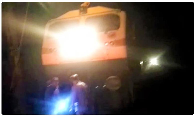 benguluru ' astronaut ' variety protest.. officials immediate action, ఫలించిన బెంగుళూరు ' ఏస్ట్రోనట్ ' ప్రొటెస్ట్.. గుంతలు మాయం
