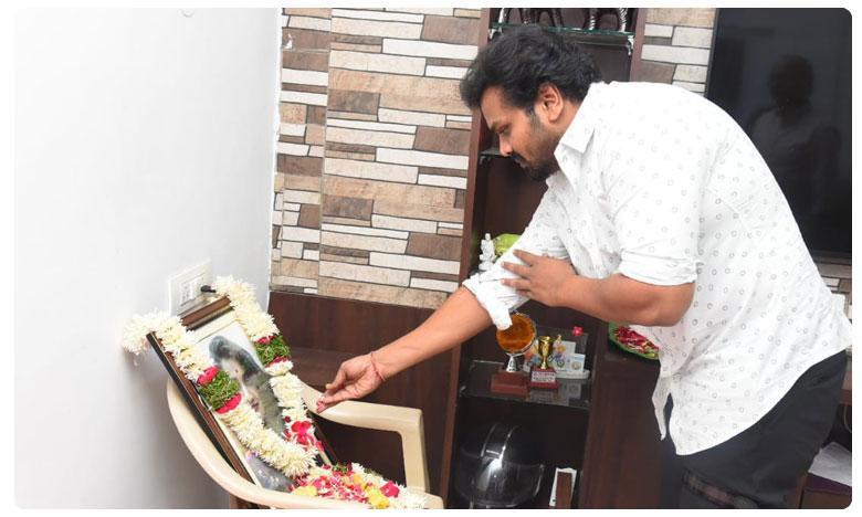 Manchu Manoj Emotional Over Disha Murder, 'దిశ' కుటుంబ సభ్యులను కలిసిన మొదటి హీరో..మనసున్న మనోజ్