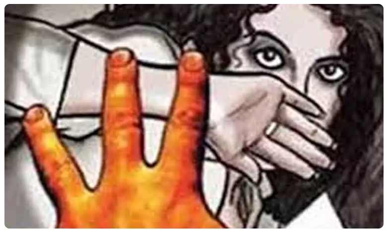 Minor girl gang-raped in Tirupati police held two accused, తిరుపతిలో దారుణం.. లిఫ్ట్ ఇస్తామంటూ అత్యాచారం!