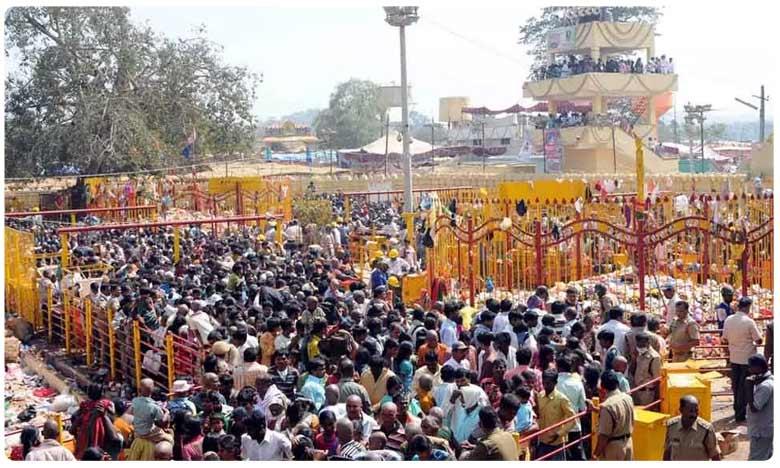 Sammakka Sarakka Jatara, భక్తులతో కిక్కిరిసిన మేడారం!