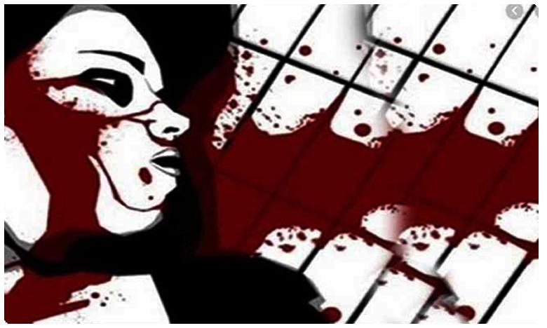 Girl who went on to terrace to study found dead in Hyderabad, నగరం నడిబొడ్డున దారుణం.. మైనర్ బాలికను..