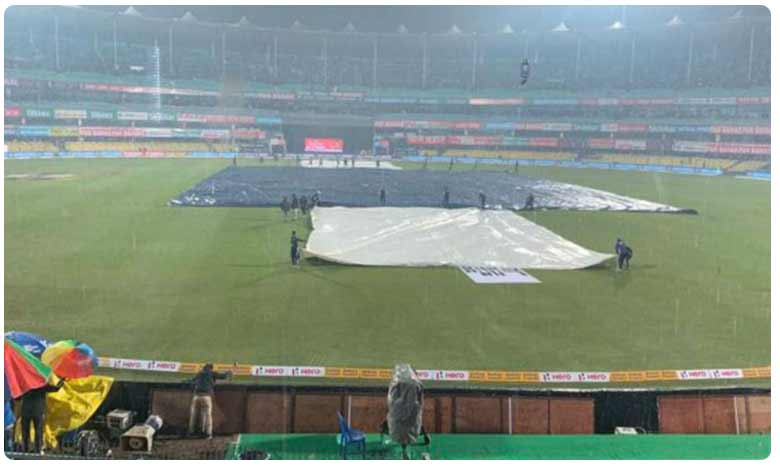 Match called off without a ball being bowled due to wet outfield, భారత్‌-శ్రీలంక తొలి టీ20 మ్యాచ్ రద్దు!