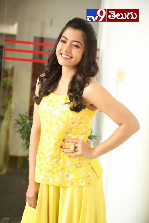 Actress Rashmika Mandanna New Photos, సో క్యూట్గా  'రష్మిక మందన'