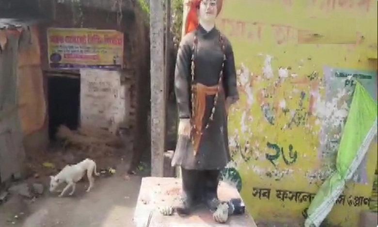 Swami Vivekananda's statue vandalised in Murshidabad district of West Bengal, బెంగాల్లో ఉద్రిక్తత.. స్వామి వివేకానంద విగ్రహం ధ్వంసం..