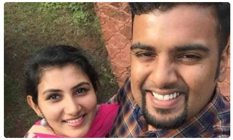 Fire Accident : Indian man dies of burn injuries after saving wife from fire in UAE, Fire Accident : భార్యను కాపాడి..తాను మృత్యు ఒడిలోకి..
