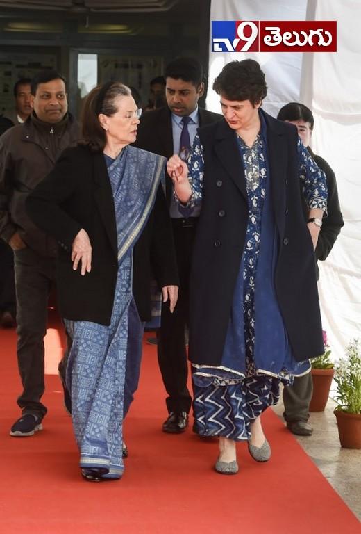 Delhi Assembly Election 2020 Photos, జోరుగా భారత రాజధాని ఎలక్షన్స్ ~ ఢిల్లీ .