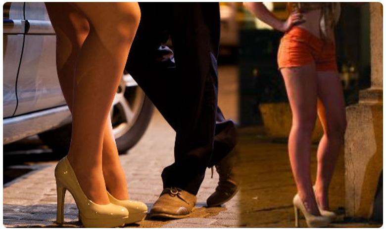 High profile sex racket busted in Pune, విదేశీ బుక్ చేస్తే.. స్వదేశీ ఫ్రీ.. వ్యభిచారంలో సూపర్ ఆఫర్..!